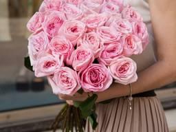 19 пионовидных розовых роз