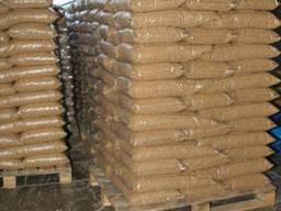 Dřevěné pelety 6 mm A1 v baleni po 15 kg