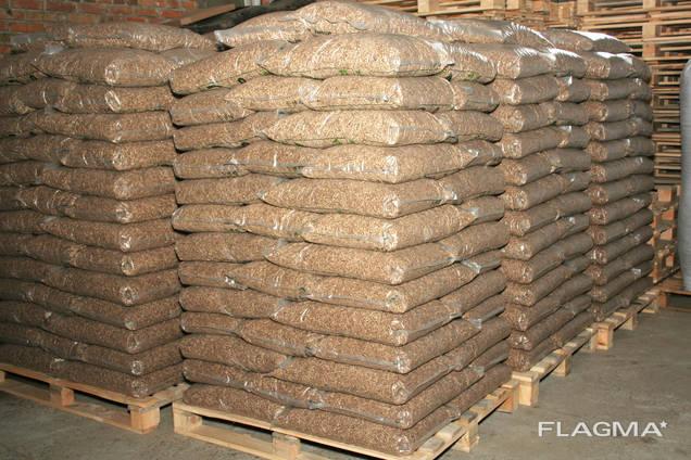 Пеллеты древесные A2 Dřevěné pelety v balení po 15 kg