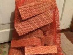 Сухие дрова (бруски ясень 45х55х185 мм) в сетках по 6. 5-7 кг